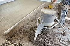 estrich gefälle herstellen dusche heckel kunstharzestrich zementestrich estrich d 228 mmung beschichtung in berlin