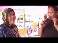 Sisindiran Bahasa Sunda Lucu