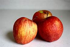 A Picture Of A Apple