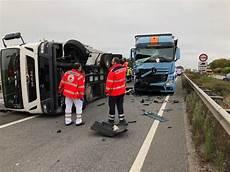 Ludwigshafen Nachtrag Schwerer Lkw Unfall Auf Der A61