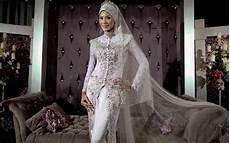 Kumpulan Foto Model Baju Kebaya Jilbab Trend Baju Kebaya