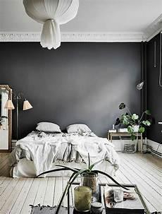 schlafzimmer einrichten ideen grau graue schlafzimmer wandfarbe in 100 beispielen