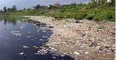 Air Untuk Manusia Air Oleh Manusia Gambar Sungai Yang