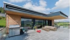 haus bauen material plusenergiehaus aus holz