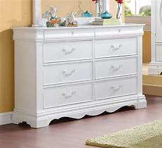 Dresser White by Yuna Classic S 8 Drawer Dresser In White Finish