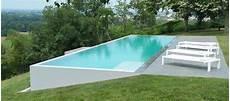piscine sur terrain en pente everblue l inspiration la piscine d bordement par everblue