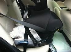 Maxi Cosi Im Auto - wieviele getr 228 nkekisten passen in den kofferraum vom