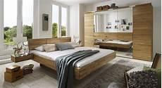 schlafzimmer betten komplett schlafzimmer aus massiver wildeiche terrano