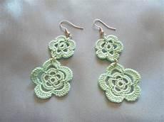 orecchini fiore orecchini fiore fatti all uncinetto color verde acqua