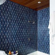 Badezimmer Fliesen Blau - fresh new looks for a bathroom shower inspiration and navy