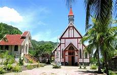 Atap Genteng Tuntas Diperbaiki Gereja Tua Sikka Terlihat