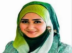 Trend Jilbab Pashmina Ala Dian Pelangi Simpel