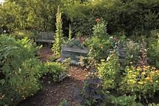 Garten Mit Hochbeeten Gestalten - garten gestalten mit hochbeet 2 muhvie de garten