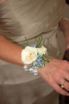 Wrist Flower Corsages For Weddings