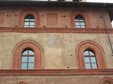 cornici marcapiano saluzzo medievale