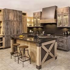 modele de cuisine rustique cuisine rustique chic en m 233 lamine egger avec comptoir de