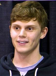evan peters evan peters wikipedie