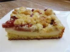 Rhabarberkuchen Mit Pudding Und Streusel - rhabarberkuchen mit quarkcreme und streuseln