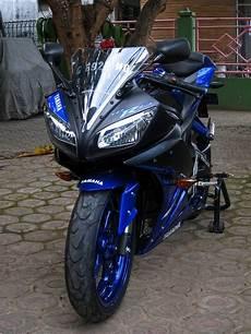 Yamaha R6 Modifikasi by Yamaha R15 Modifikasi Warna Striping Dan Tangki