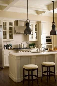 white kitchen cabinet paint color linen white 912 benjamin paintcolor kitchen cabinet
