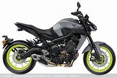 Roadster Yamaha Mt 09