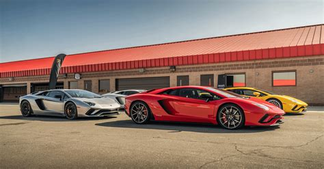 Why You Should Use A Luxury Car Service Center For Your