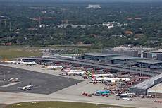 flughafen hamburg flughafen hamburg hamburg airport presents 2018 2019 winter timetable