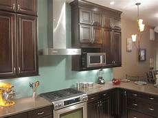 Glass Kitchen Backsplashes How To Install A Solid Glass Backsplash How Tos Diy