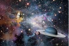 Lanc 233 E En 1977 La Sonde Spatiale Voyager 2 Vient D