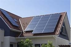 panneau voltaique prix le prix des panneaux solaires et de leur pose