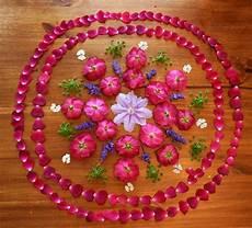 Mandala Blumen - at the butterfly flower mandalas with