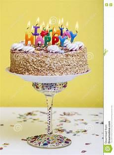 candele buon compleanno torta di compleanno con le candele variopinte di buon