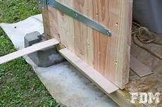 quot fabriquer une porte en bois pour abri de jardin