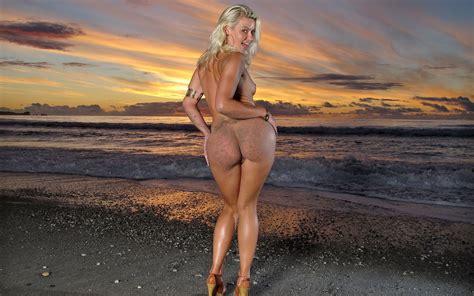Anikka Albrite Porn Pics
