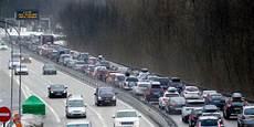prevision route samedi pr 233 visions de circulation un samedi noir sur les routes en rh 244 ne alpes l acc 232 s aux stations de