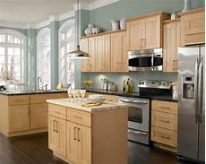 maple kitchen cabinets home design ideas pictures remodel and decor