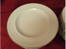Lot Detail   POTTERY BARN DINNER PLATES WITH GOLD EDGES
