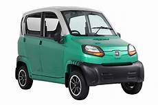 Cheapest Car In The Us Market by Bajaj Re60 Could Run 40 Km Kg On Cng Shifting Gears