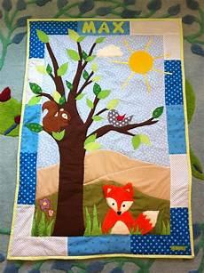 kinderkissen selber nähen baby patchwork decke quilt mit waldtieren