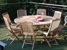table de jardin ronde une table de jardin ronde en bois leroy merlin