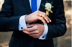 finding the right wedding band for your man