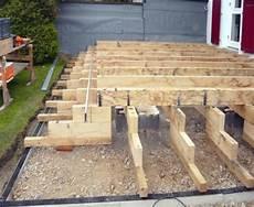 holzaufbauten holzterrasse terrasse bauen terrasse