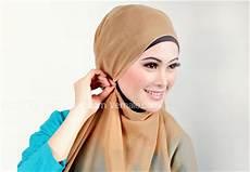 Model Jilbab Segi Empat Yang Cocok Untuk Kebaya