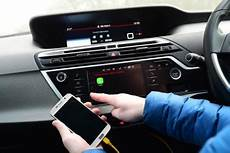 what is mirrorlink guide to the car smartphone hook up