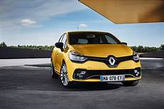 clio rs 2017 2017 renault clio rs unveiled along with clio gt line autoevolution