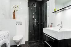 Kleines Bad In Schwarz Und Wei 223 Mit Eckdusche B 228 Der