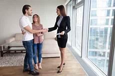 Wohnungsbesichtigung Mit Hilfe Der Checkliste