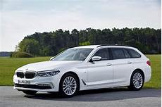 Bmw 5 Series Touring Review 2020 Parkers
