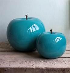 une pomme g 233 ante en porcelaine bleue turquoise pour