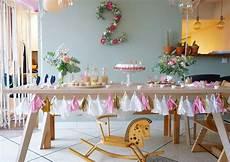 Decoration Anniversaire Fille Deco Fleurs Table Anniversaire